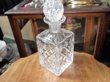 ELEGANT HEAVY CUT CRYSTAL GLASS WEBB CORBETT SQUARE DECANTER & STOPPER ODD ?